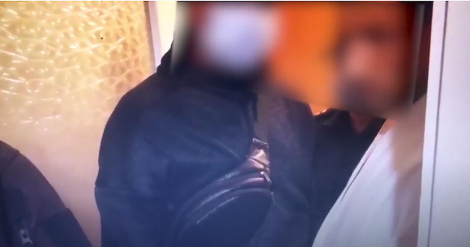 В Обухові батько 3-х дітей зберігав в холодильнику амфетамін (відео)
