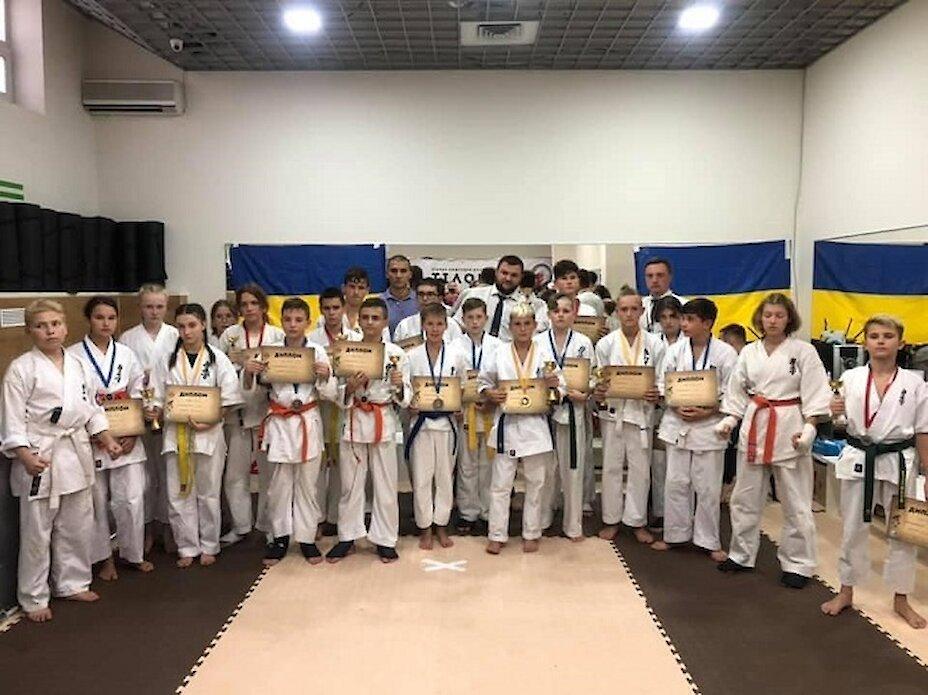 Юні каратисти з Обухівщини посіли призові місця на чемпіонаті у Києві