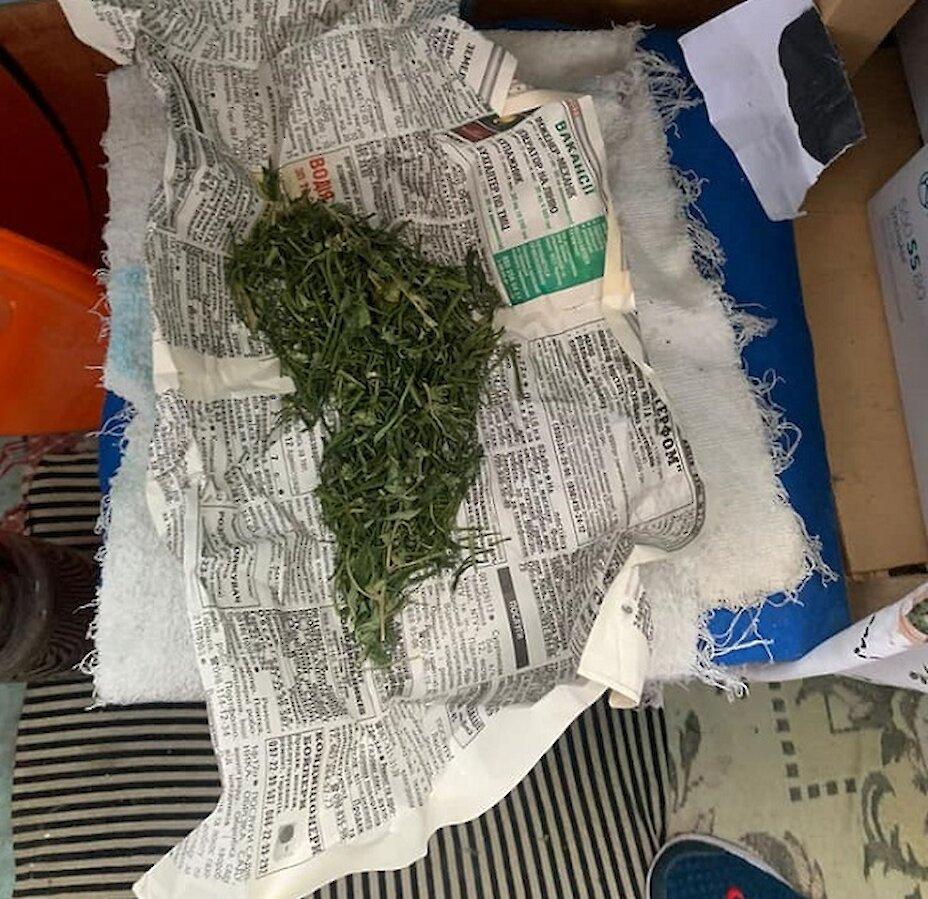 На Обухівщині чоловік возив в авто пакунки з наркотиками